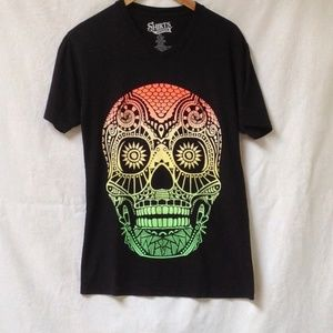 SHIRTS HAPPEN Scull Print Graphic Tee S Aztec